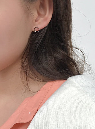 Blank little circle earrings-모스빈