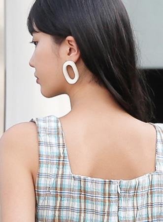 Wave round earrings-모스빈
