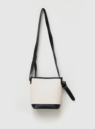 [무료배송] Neat color shoulder bag-모스빈